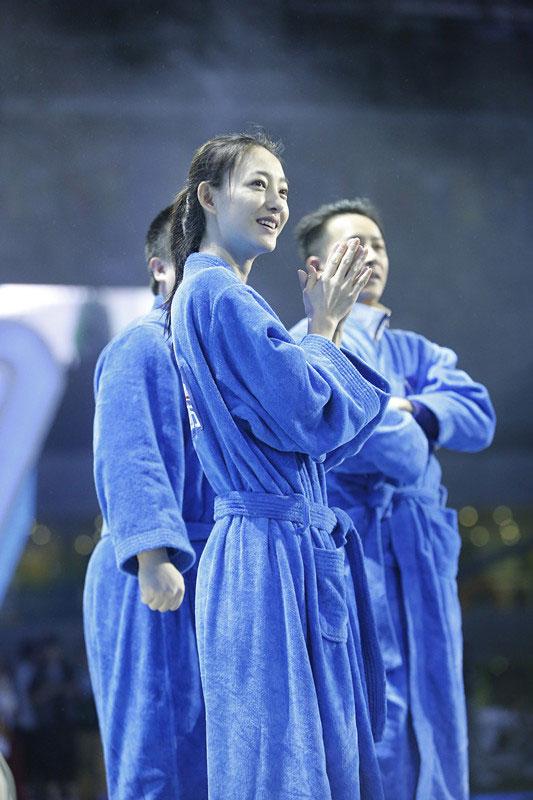 王丽坤被封素颜女神 跳水图片受热捧